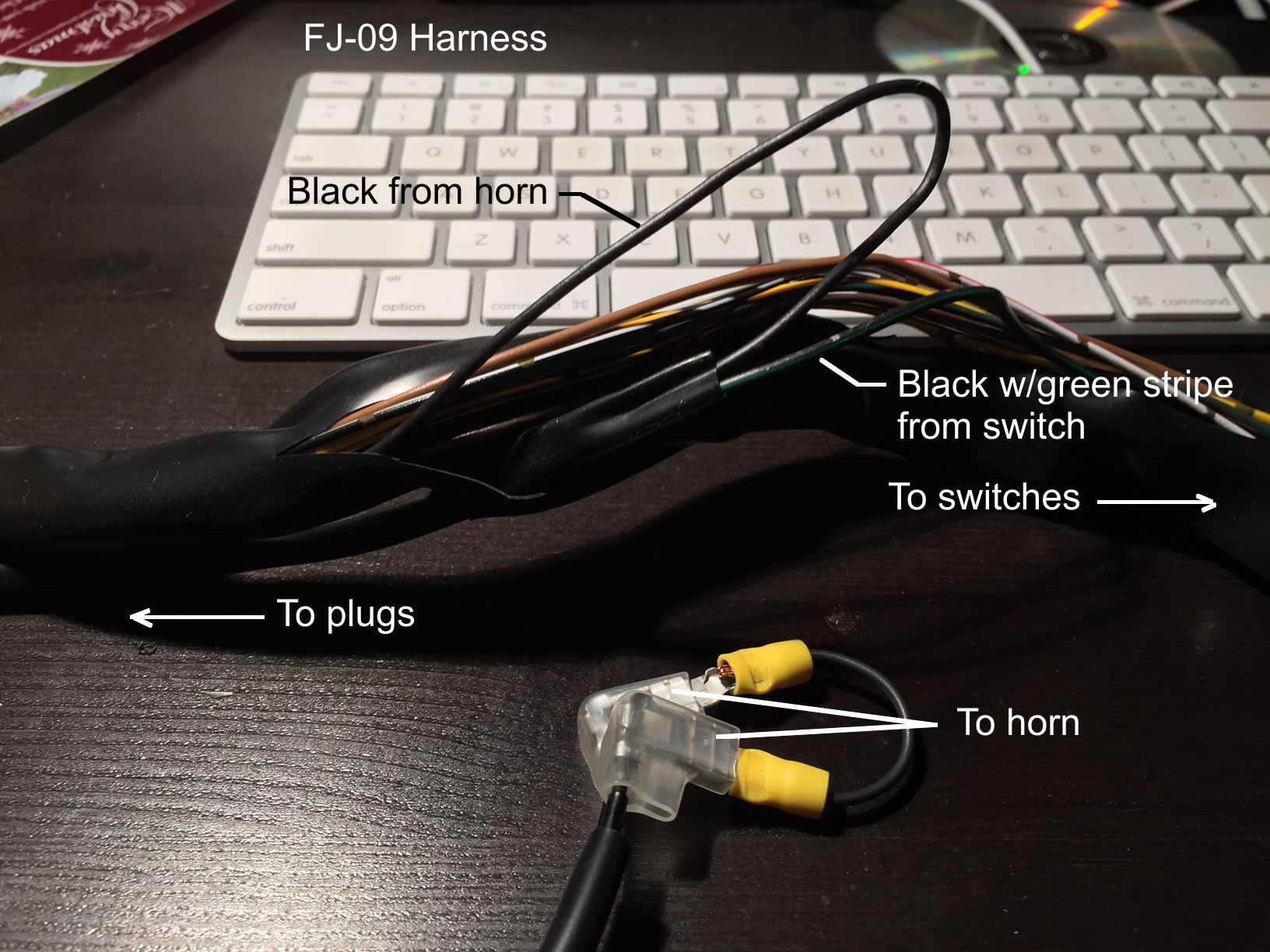 Digging Around In The Super Tenere Switch Block Fj 09 Tracer 900 How To Wire It For Switched Horn Should Once I Jumped Connectors Had Continuity At White Multi Pin Plug When Pressed Button Baby Steps